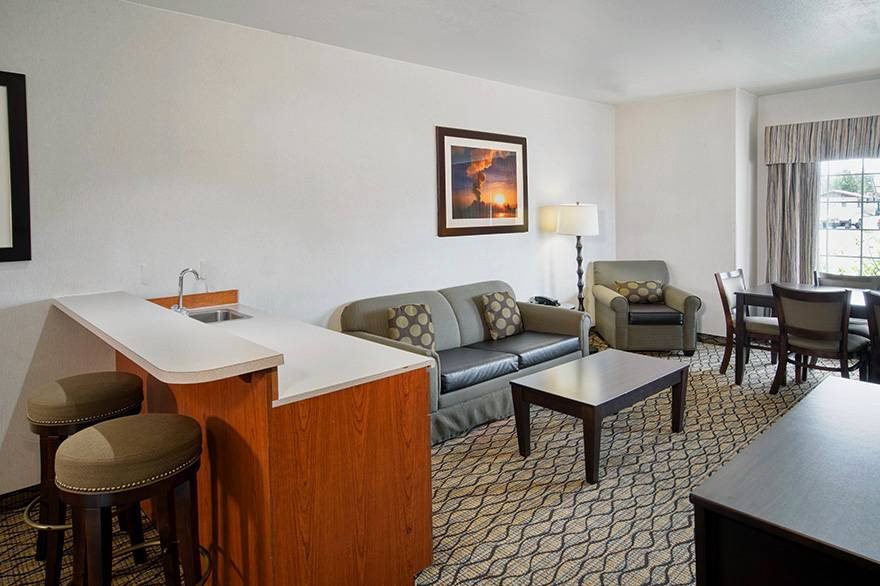 Executive Suite living room and bar seating at Holiday Inn West Yellowstone