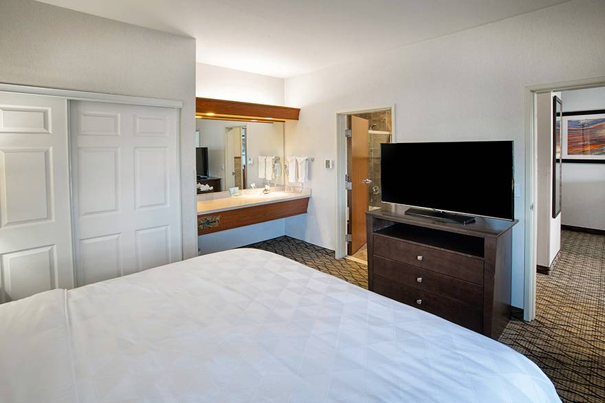 Executive Suite bedroom at Holiday Inn West Yellowstone