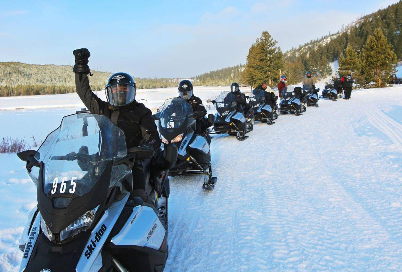 Yellowstone National Park Snowmobile Tours